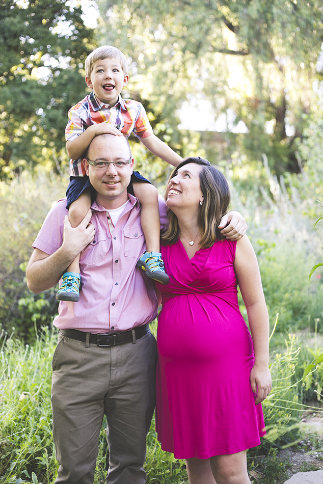 los angeles maternity photographer - pregnant portrait session pasadena arlington garden